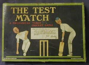 THE TEST MATCH MECHANICAL TABLE CRICKET GAME, c1930s