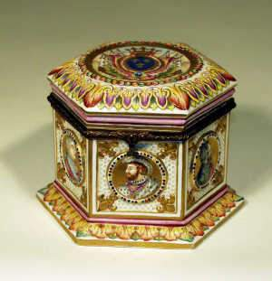 Doccia, after Capodimonte, porcelain casket, c1900