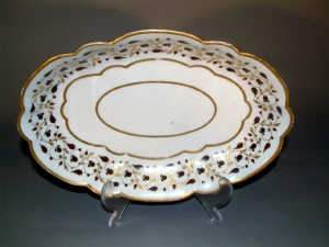 BARR, FLIGHT AND BARR WORCESTER OVAL DISH, c1807-13