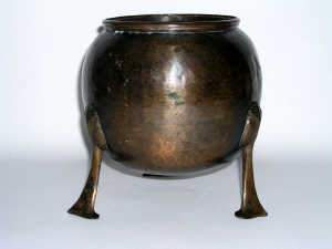 Arts and Crafts period hammered bronze jardiniere, c1900