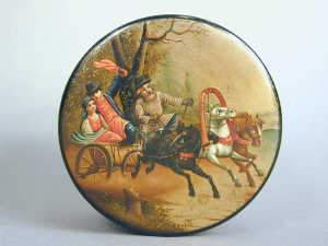 Late C19th Russian lacquered lidded box