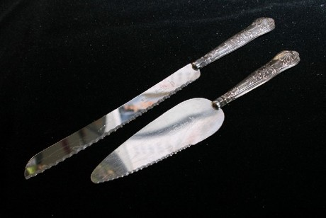 Sheffield silver Boxed Bread and Cake Knife