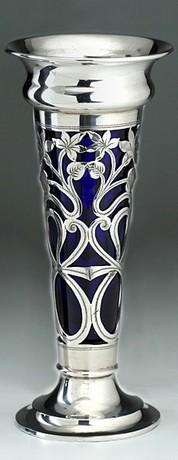 SILVER BUD VASE, PIERCED FLORAL DECORATION & BLUE GLASS LINER, DEAKIN & FRANCIS