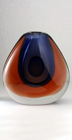 CASED & OPTIC FORMED ORGANIC SOMMERSO ART GLASS VASE BY VALIDIMIR MIKA FOR MOSER